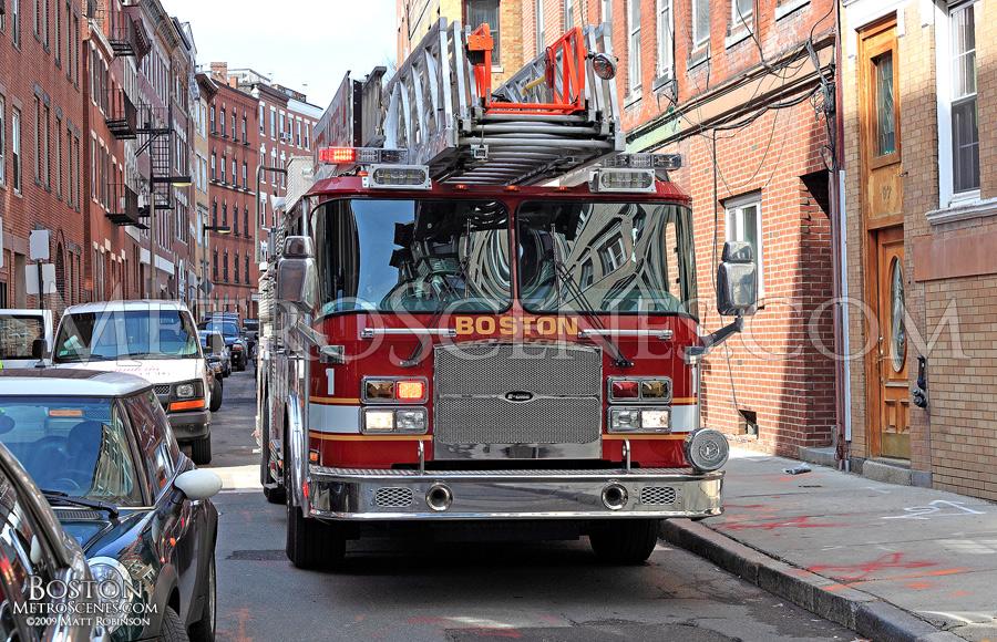Boston Ladder 1
