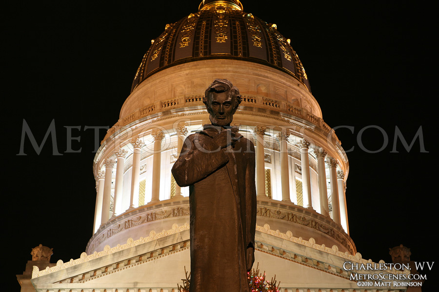 Abe Lincoln Statue in front of Capitol