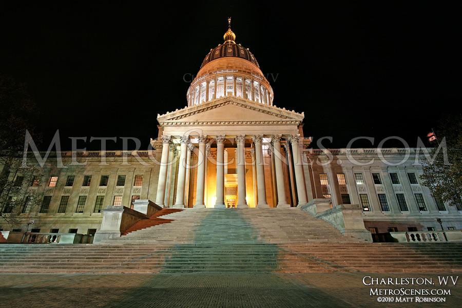 Charleston, WV State Capitol at night