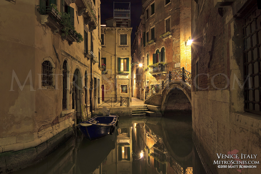 Still night in Venice