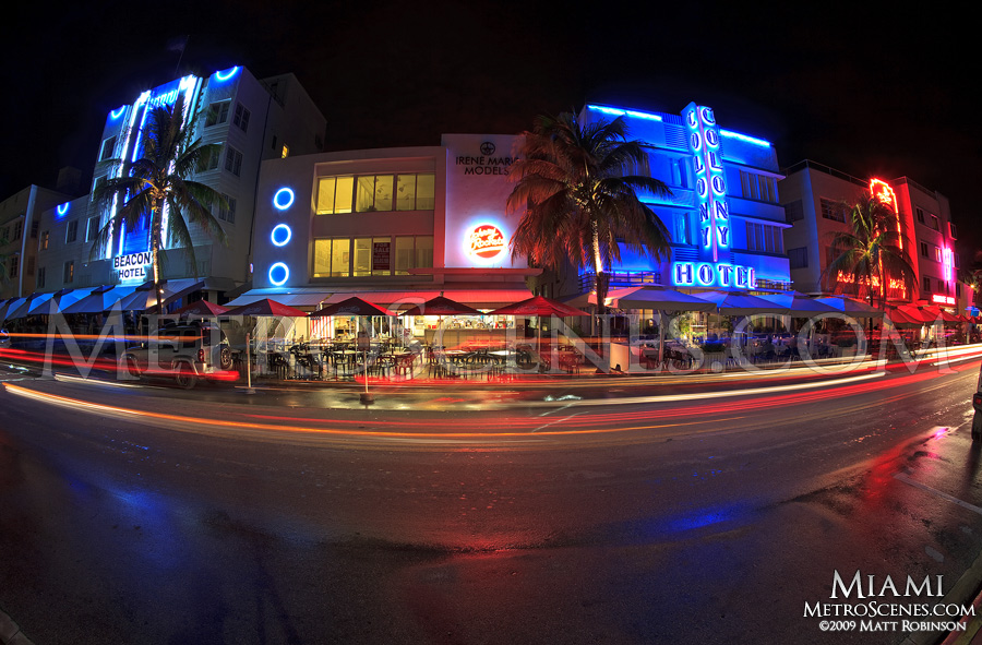 Art Deco Beacon Hotel, Colony Hotel at night