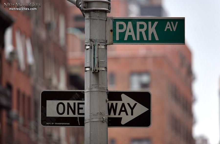 Park Avenue Street sign.