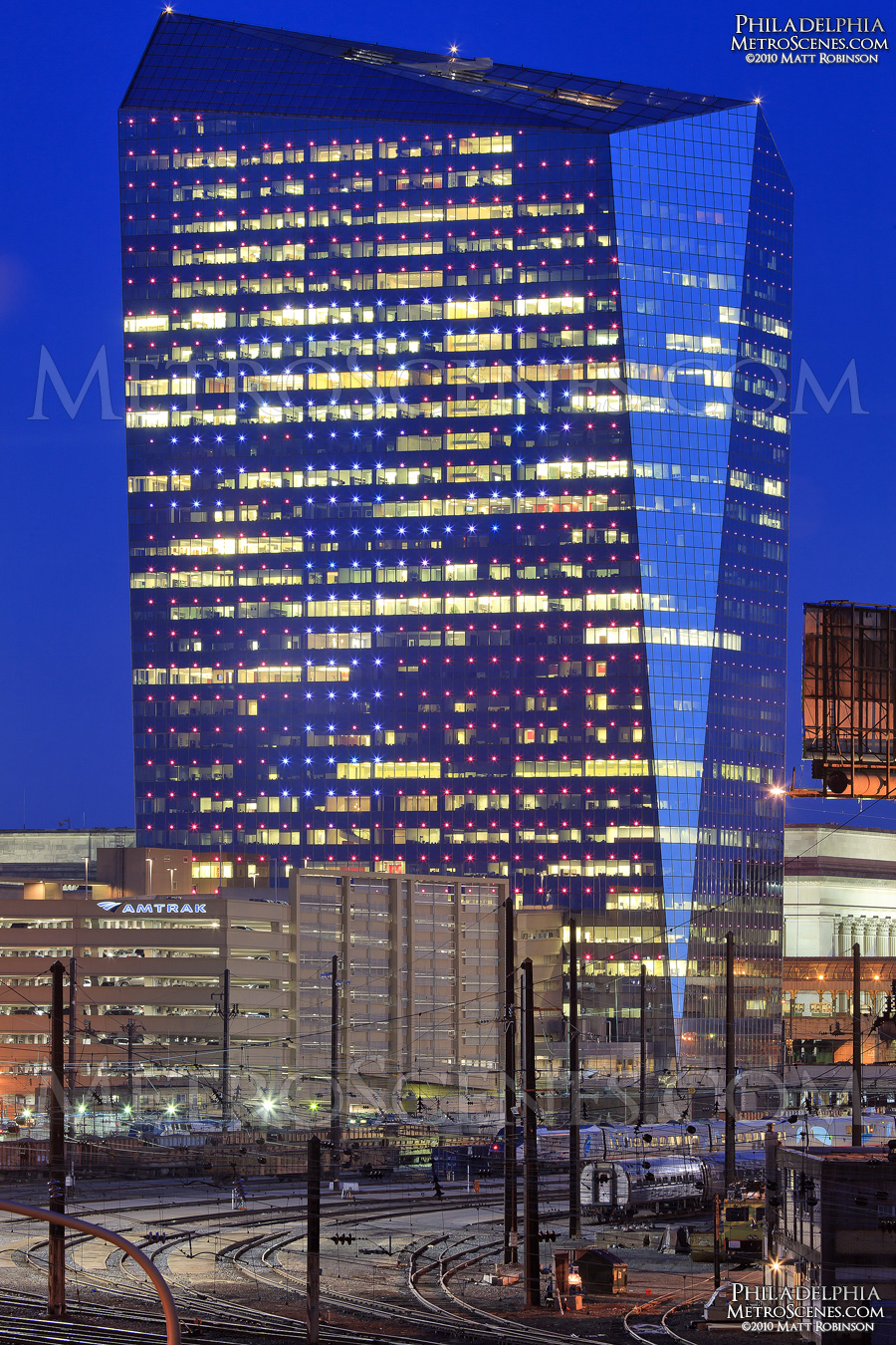Cira Center at night