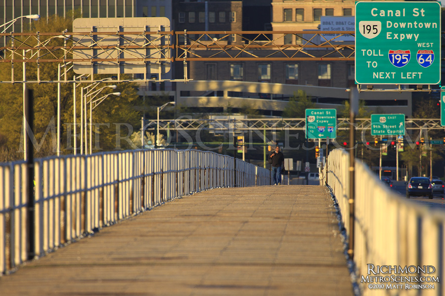 9th Street Bridge walkway