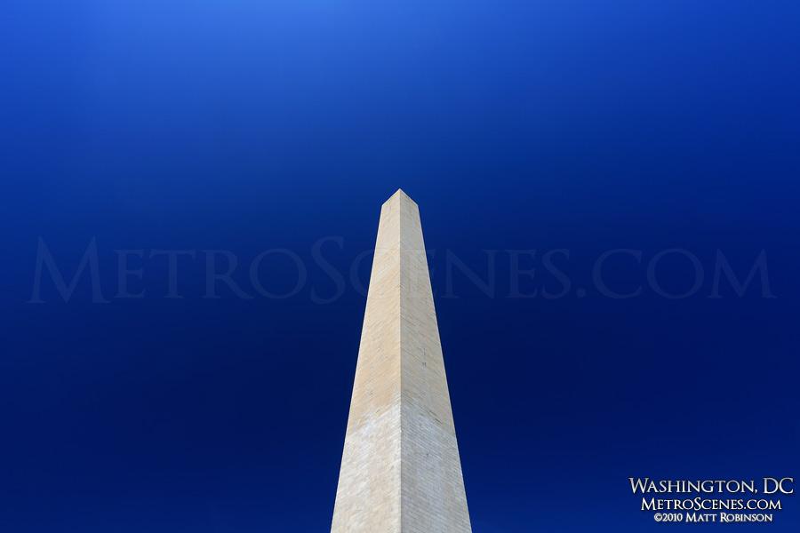 Washington Monument rises 555 feet into the sky