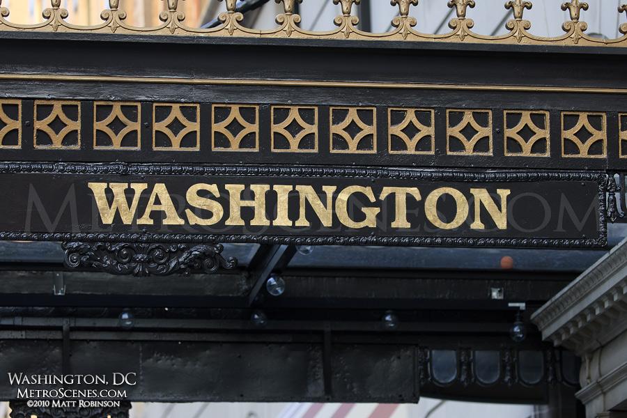 Hotel Washington overhang
